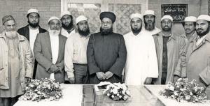 1ste-bestuur-Taibah-moskee-klein