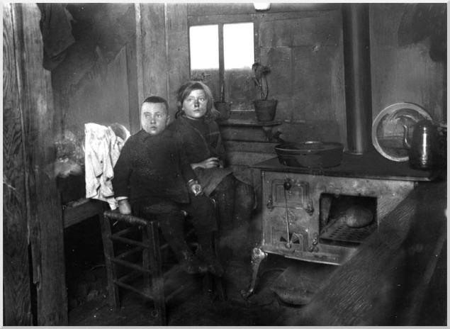4111 Nood en honger in Drentse venen 1922