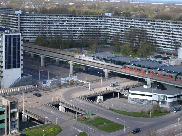 Busplatform metro Karspeldreef